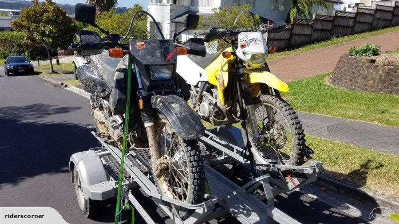 riders' corner trailer with dr650 and drz400 loaded up for a trail ride